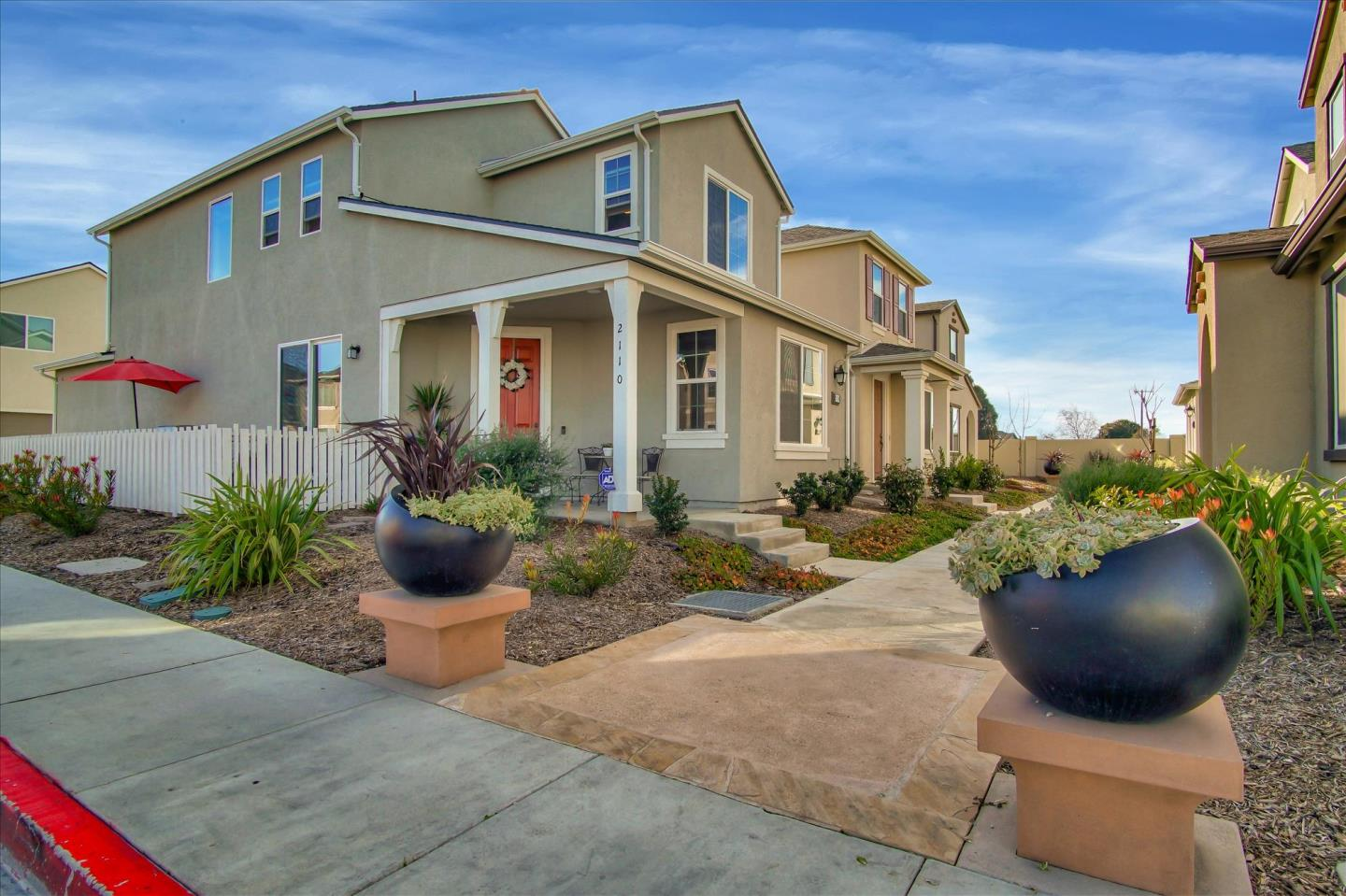 Detail Gallery Image 1 of 29 For 2110 Heartland Ct, Hollister, CA 95023 - 3 Beds | 2/1 Baths