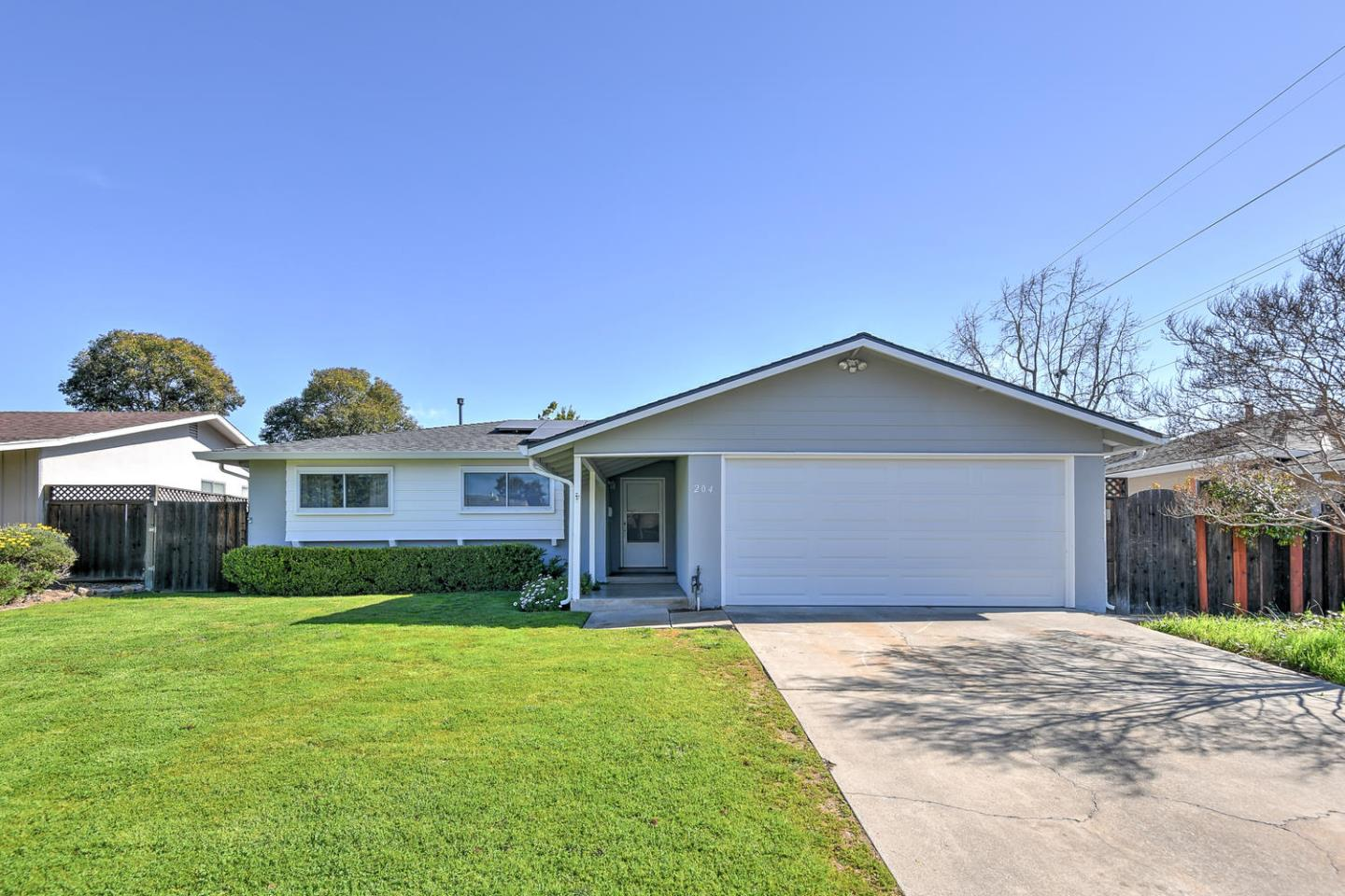 Detail Gallery Image 1 of 1 For 204 Barbara Dr, Los Gatos, CA 95032 - 3 Beds | 2 Baths