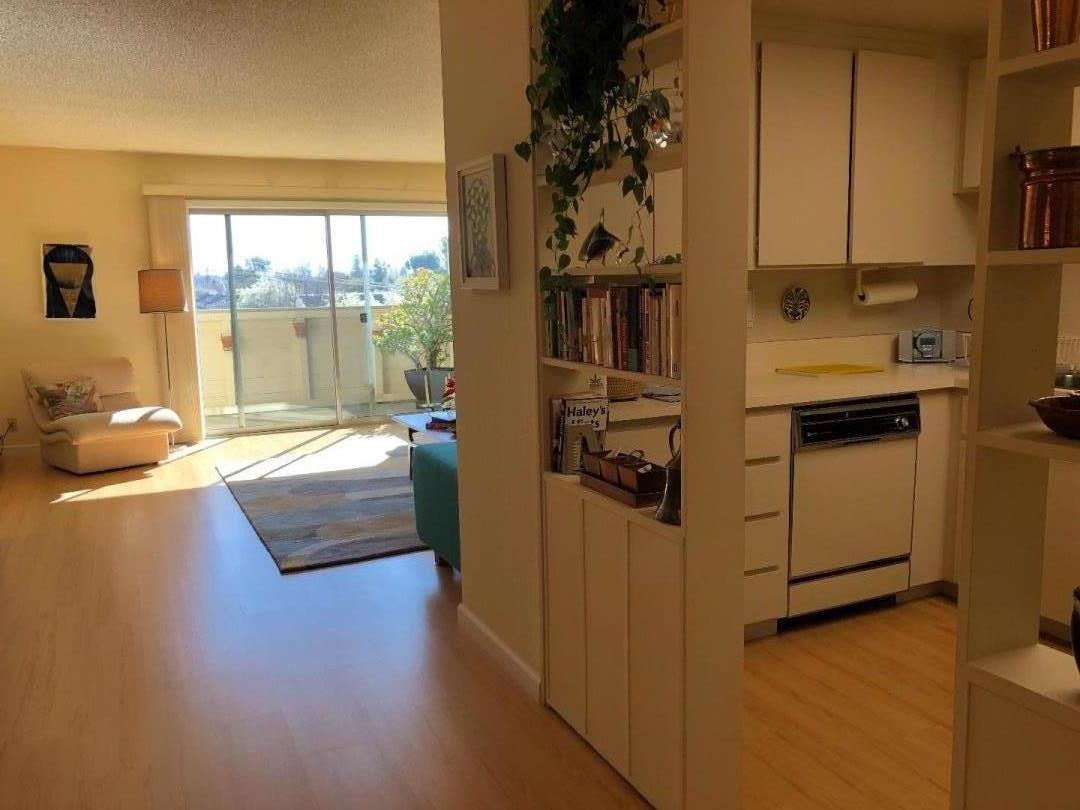 1033 CRESTVIEW DR 318, MOUNTAIN VIEW, CA 94040  Photo