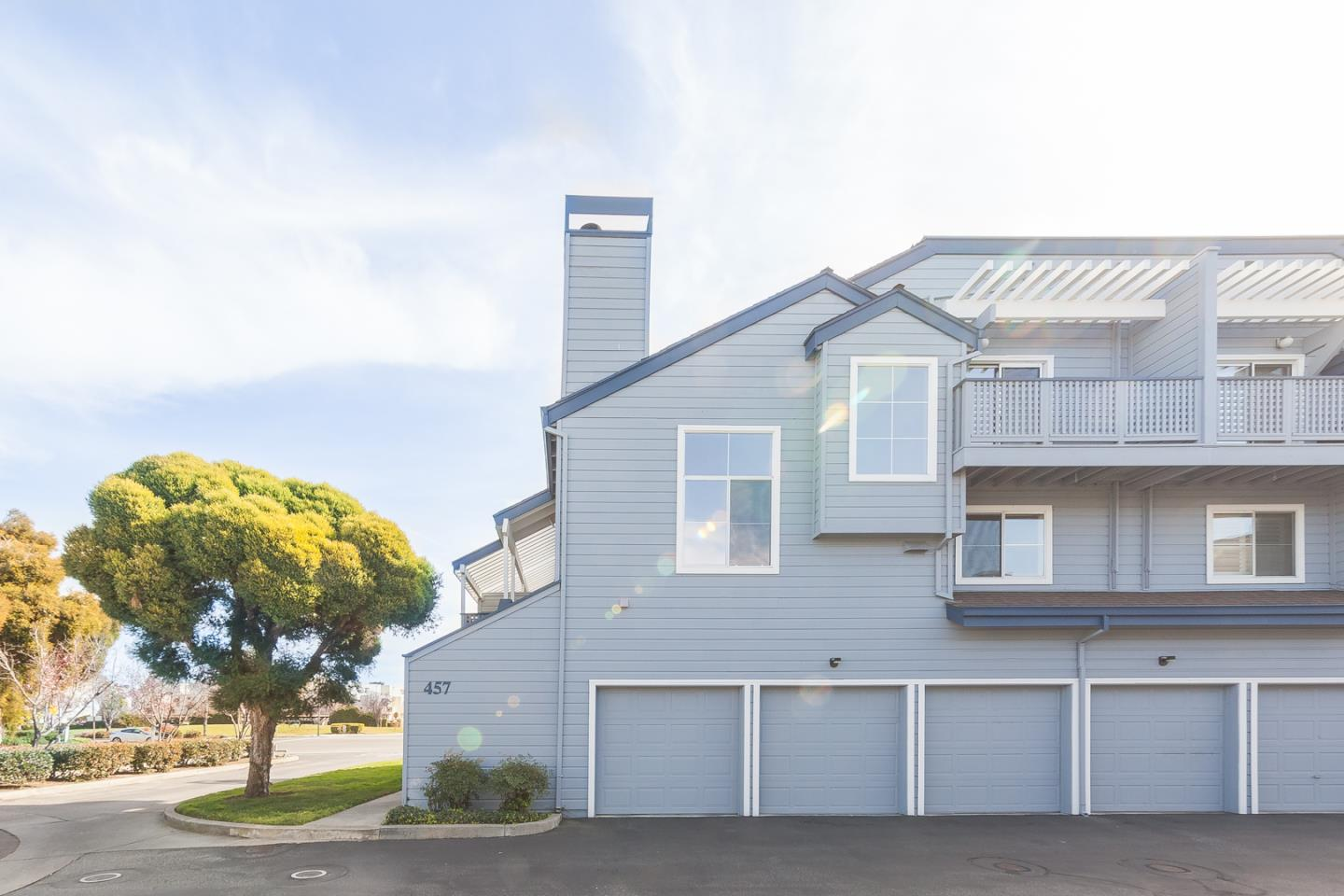 Detail Gallery Image 1 of 1 For 457 Cork Harbour Cir #H,  Redwood City,  CA 94065 - 2 Beds | 2 Baths