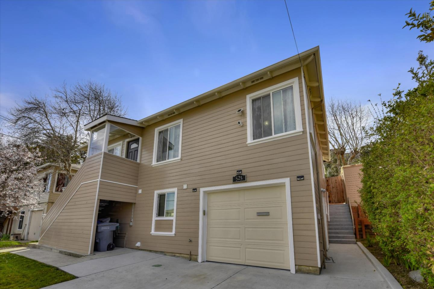 Detail Gallery Image 1 of 1 For 525 Larch Ave, South San Francisco,  CA 94080 - 4 Beds   2 Baths