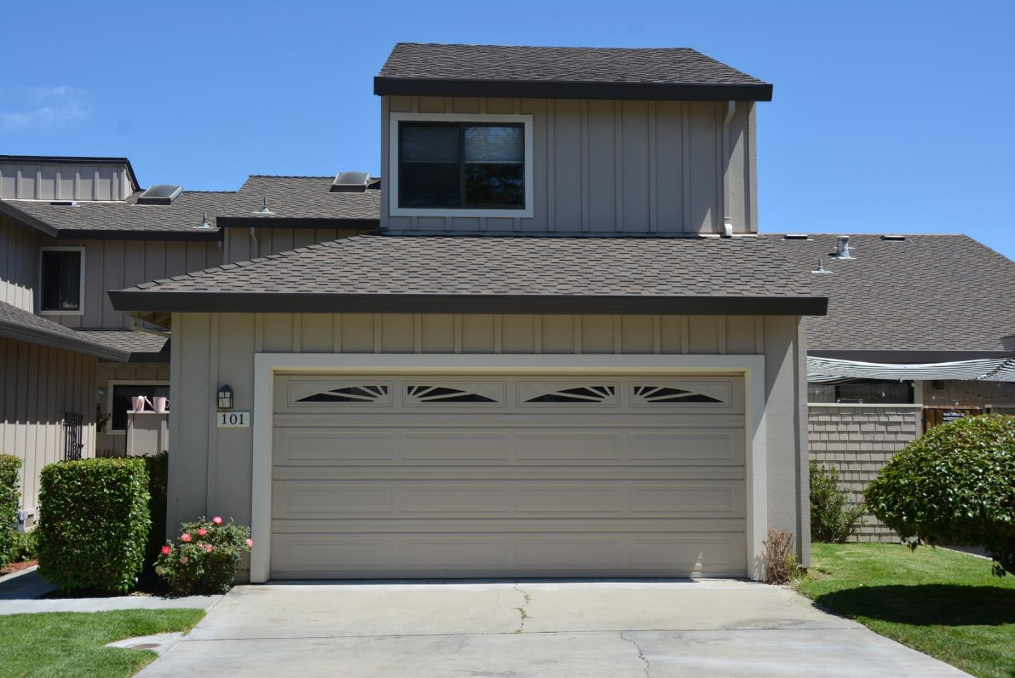 Detail Gallery Image 1 of 1 For 101 Joes Ln, Hollister, CA 95023 - 2 Beds | 2/1 Baths