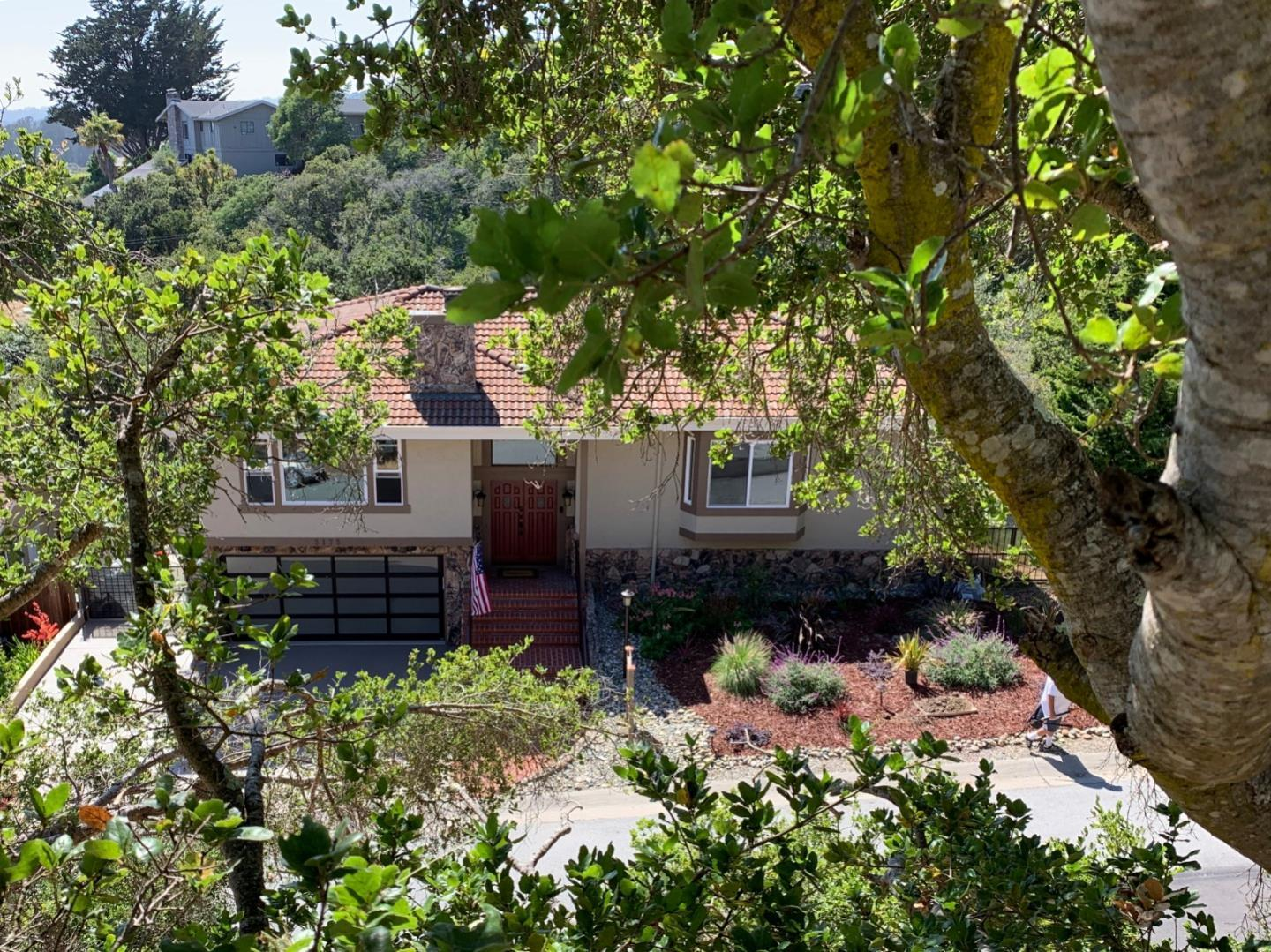 Detail Gallery Image 1 of 71 For 3175 Crystal Heights Dr, Soquel, CA 95073 - 3 Beds | 3 Baths