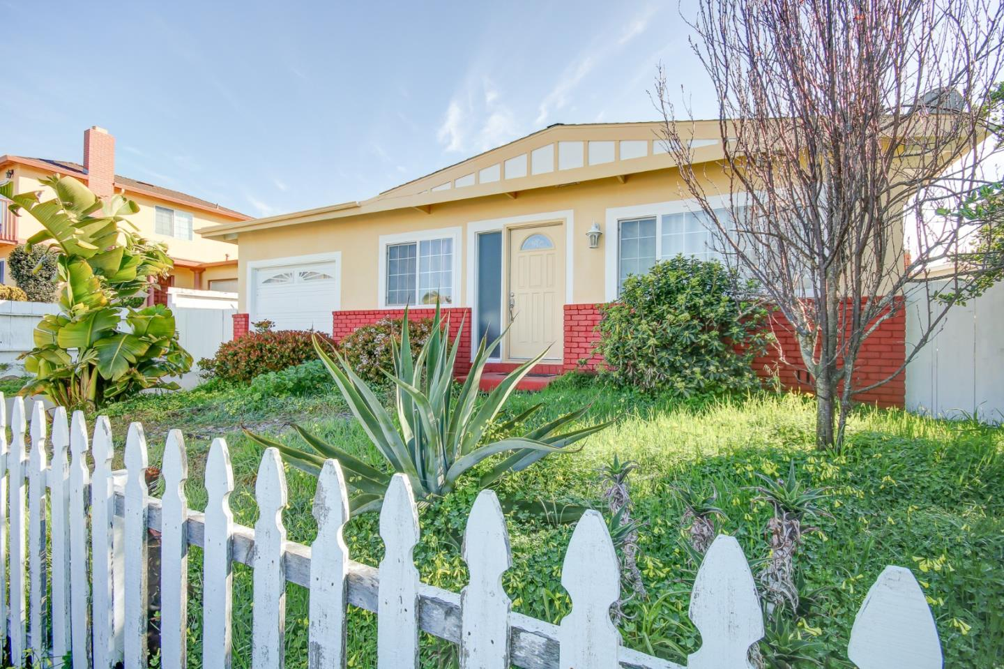 Photo of 1676 Darwin ST, SEASIDE, CA 93955