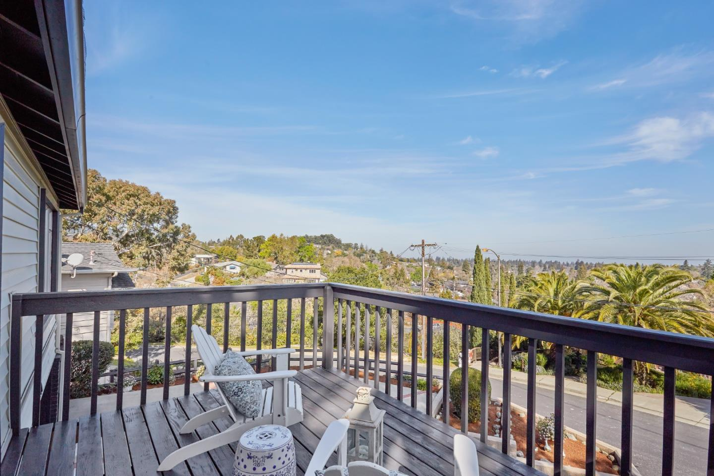 Detail Gallery Image 1 of 1 For 3530 Altamont Way, Redwood City,  CA 94062 - 3 Beds | 2 Baths