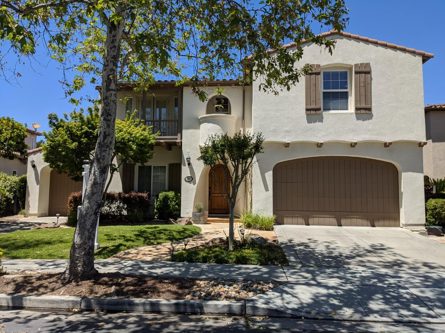 Detail Gallery Image 1 of 1 For 2490 Club Dr, Gilroy,  CA 95020 - 5 Beds | 3/1 Baths