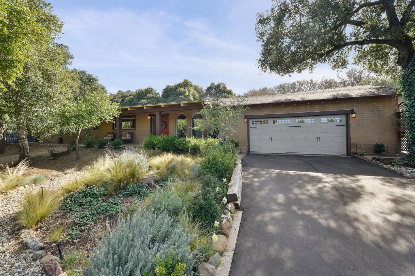 Detail Gallery Image 1 of 1 For 4680 Little Uvas Rd, Morgan Hill,  CA 95037 - 4 Beds   2 Baths