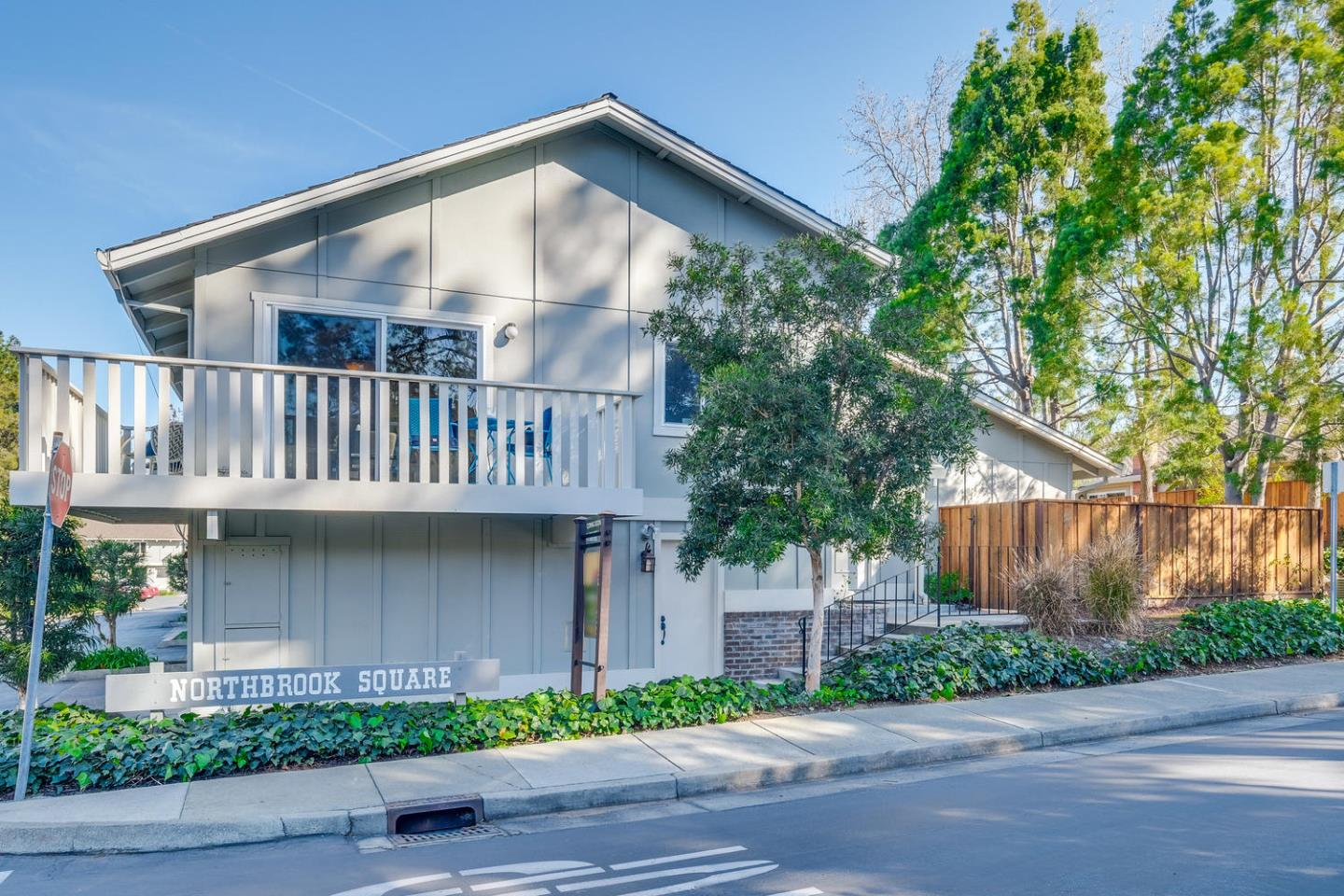 20336 NORTHBROOK SQ, CUPERTINO, CA 95014