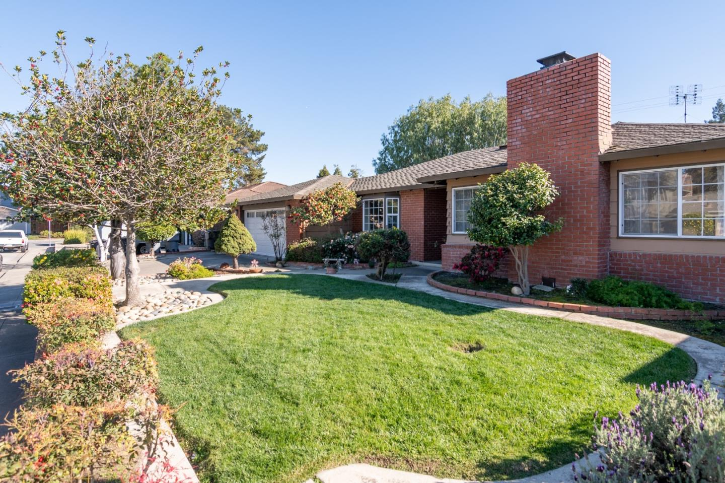 1241 WASATCH DR, MOUNTAIN VIEW, CA 94040