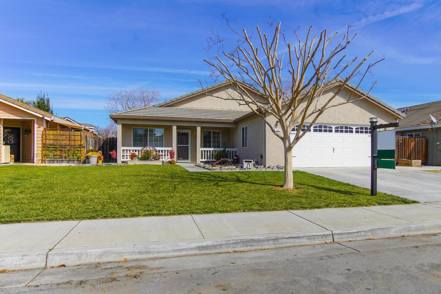 Detail Gallery Image 1 of 1 For 730 Ruger Ct, Hollister, CA 95023 - 4 Beds   2 Baths