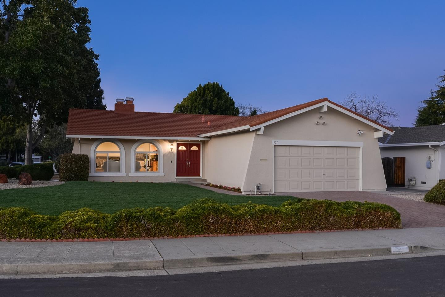 Detail Gallery Image 1 of 1 For 907 Bluebell Way, Sunnyvale,  CA 94086 - 3 Beds   2 Baths