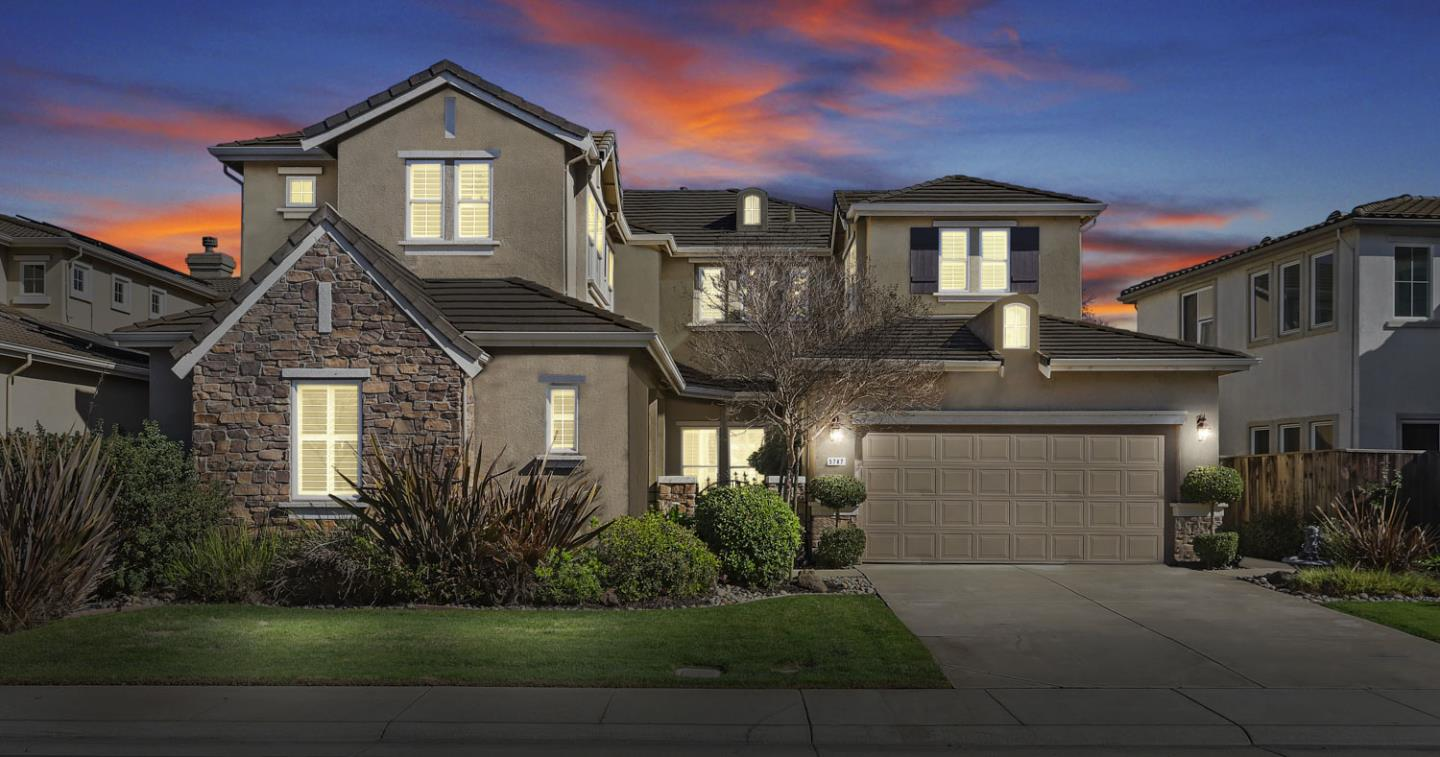 Detail Gallery Image 1 of 75 For 5787 Saint Andrews Dr, Stockton, CA 95219 - 5 Beds | 4/1 Baths
