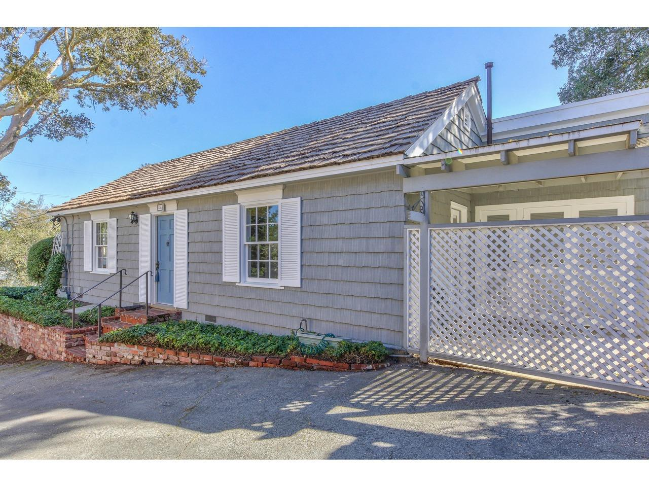 Detail Gallery Image 1 of 31 For 856 Fountain Ave, Monterey, CA 93940 - 2 Beds | 2 Baths