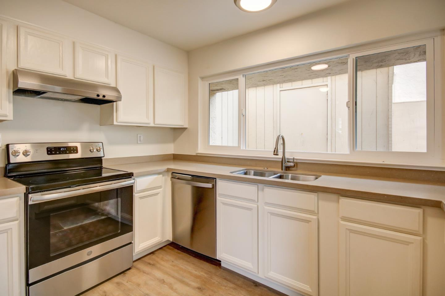 Detail Gallery Image 1 of 1 For 1198 Trinity Ave, Seaside, CA 93955 - 3 Beds | 1/1 Baths