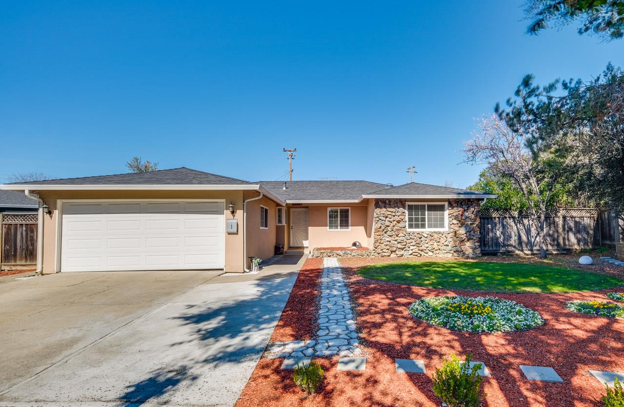 Detail Gallery Image 1 of 43 For 1258 Adams Dr, San Jose, CA 95132 - 4 Beds   2 Baths