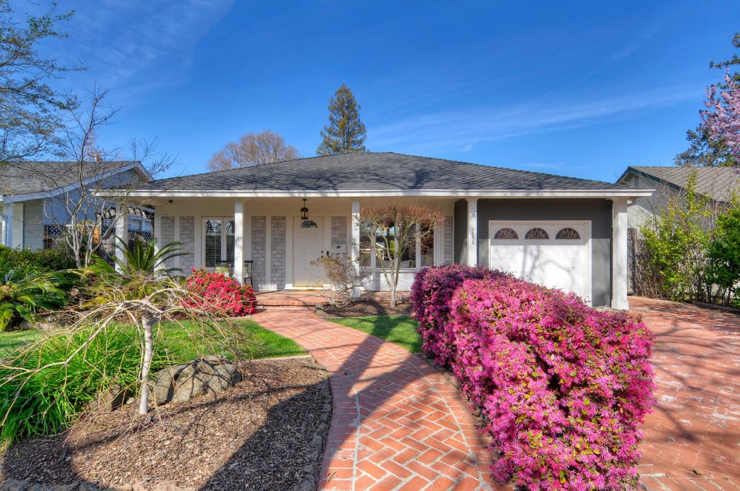 Detail Gallery Image 1 of 1 For 2052 Hampton Ave, Redwood City, CA 94061 - 3 Beds   2 Baths