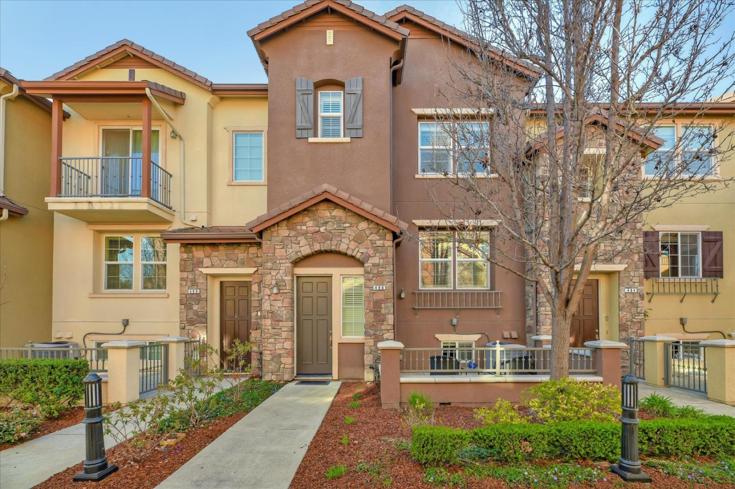 Detail Gallery Image 1 of 59 For 486 Valley Oak Ter, Sunnyvale,  CA 94086 - 3 Beds   2/1 Baths