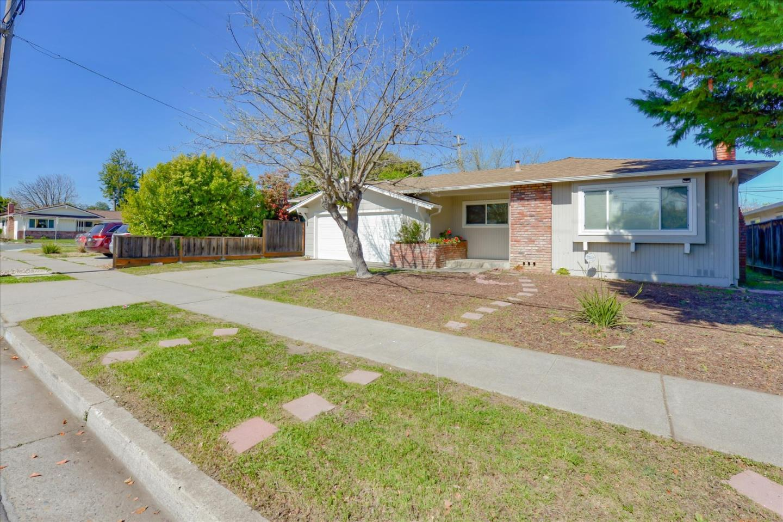 Detail Gallery Image 1 of 1 For 5231 Bucknall Rd, San Jose, CA 95130 - 4 Beds | 2 Baths