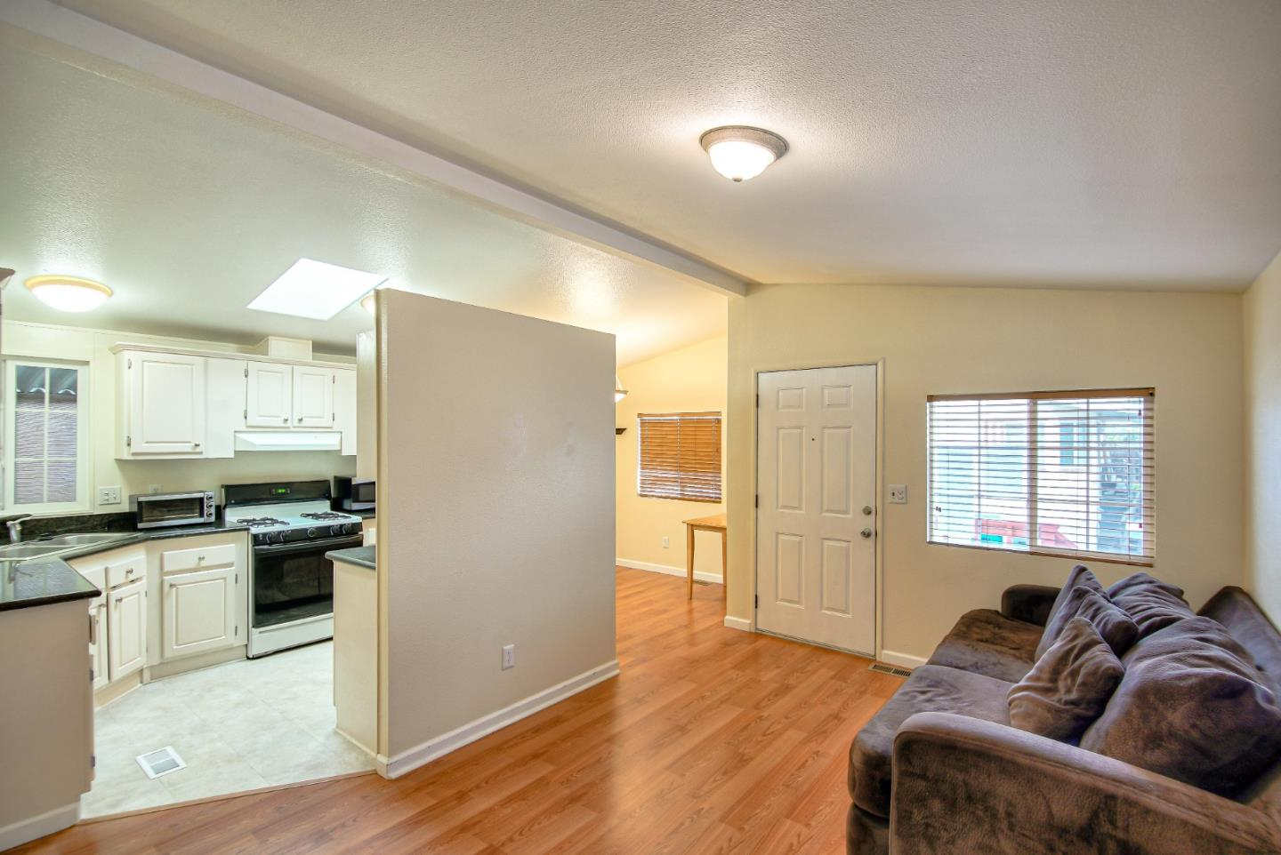 Detail Gallery Image 1 of 17 For 3710 Gross Rd #17, Santa Cruz, CA 95062 - 3 Beds | 2 Baths