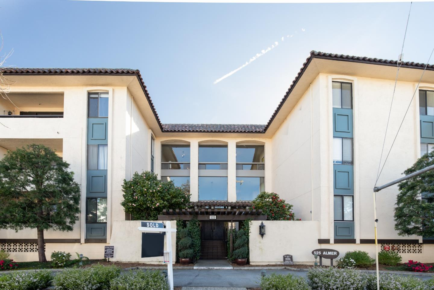 Detail Gallery Image 1 of 1 For 525 Almer Rd #110,  Burlingame,  CA 94010 - 2 Beds | 2 Baths