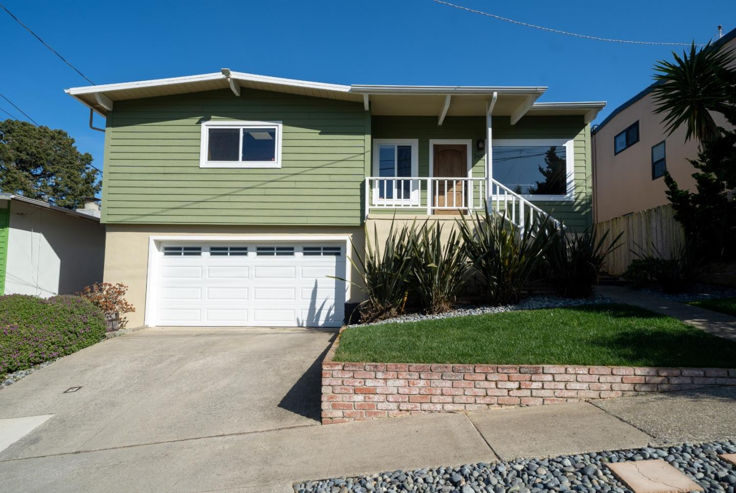 Detail Gallery Image 1 of 1 For 245 Hillside Dr, Pacifica,  CA 94044 - 3 Beds | 2 Baths