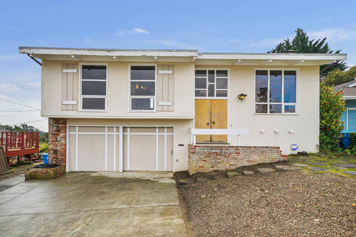 Detail Gallery Image 1 of 1 For 151 Yorkshire Ct, San Bruno,  CA 94066 - 3 Beds   2 Baths
