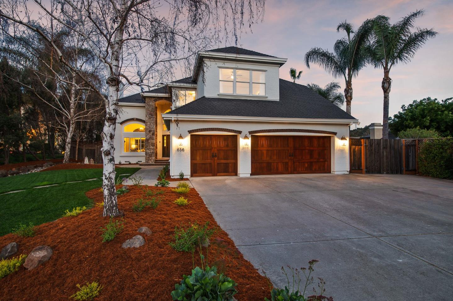 Detail Gallery Image 1 of 1 For 656 Llagas Vista Dr, Morgan Hill,  CA 95037 - 5 Beds | 3 Baths