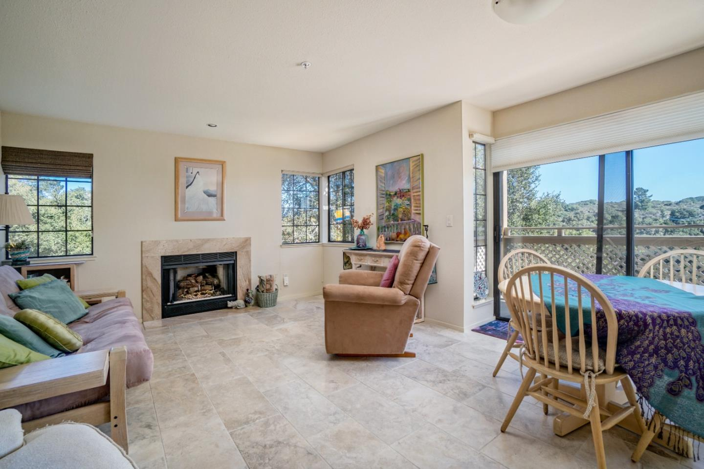 Detail Gallery Image 1 of 8 For 121 Quail Run Ct, Del Rey Oaks, CA 93940 - 1 Beds   1 Baths
