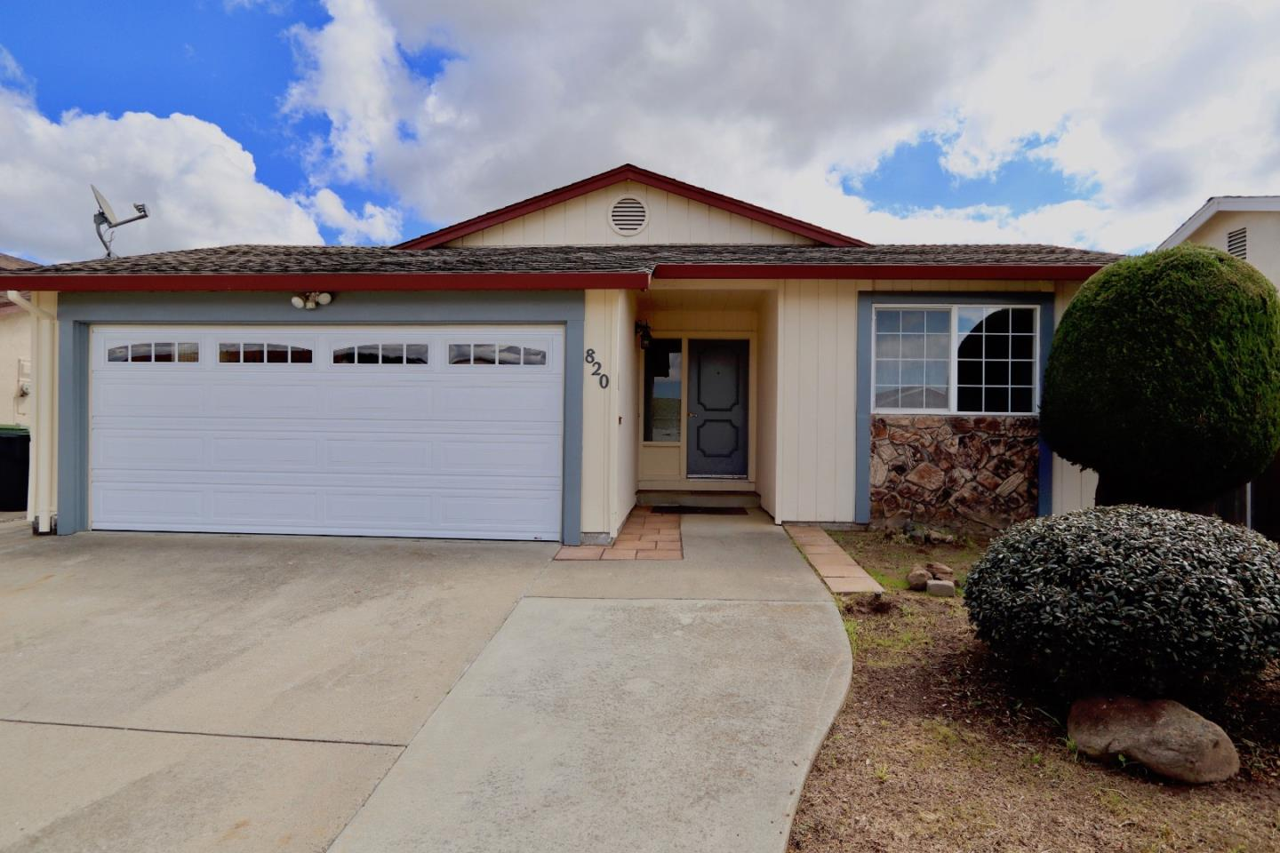 Detail Gallery Image 1 of 44 For 820 Cynthia Dr, Watsonville, CA 95076 - 2 Beds | 2 Baths