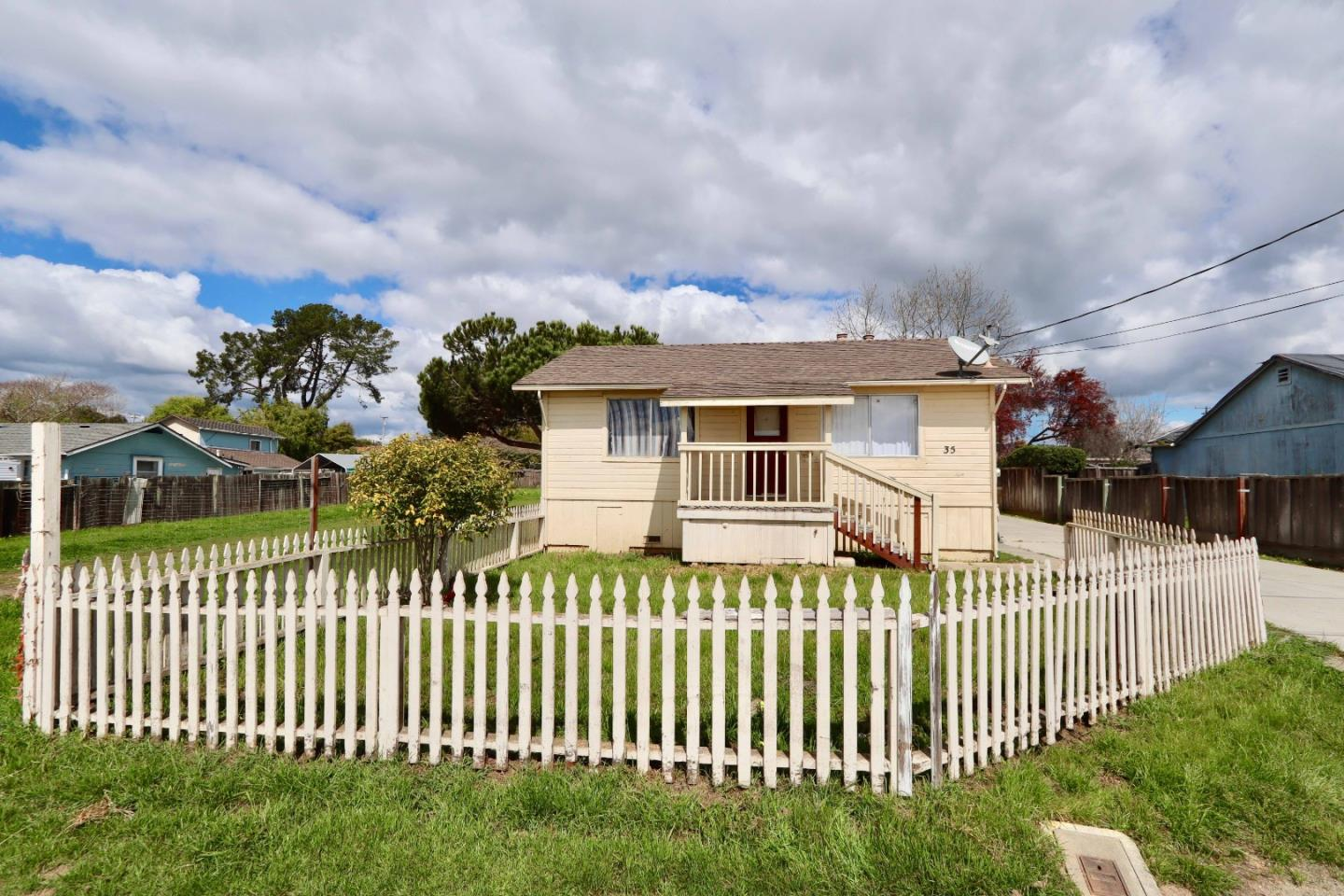 Detail Gallery Image 1 of 15 For 35 Behler Rd, Watsonville, CA 95076 - 2 Beds | 1 Baths