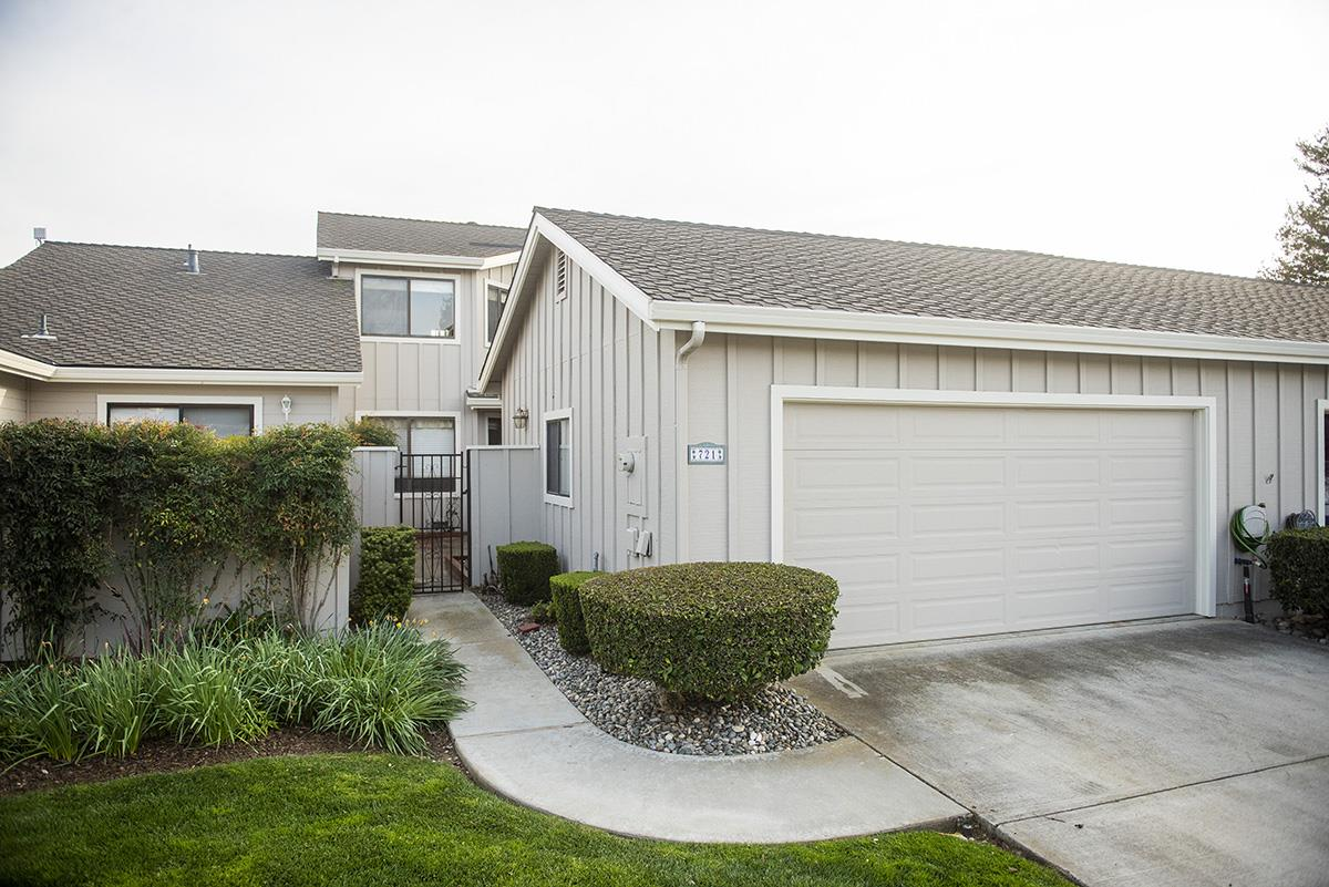 Detail Gallery Image 1 of 1 For 721 Helen Dr, Hollister, CA 95023 - 2 Beds | 2/1 Baths
