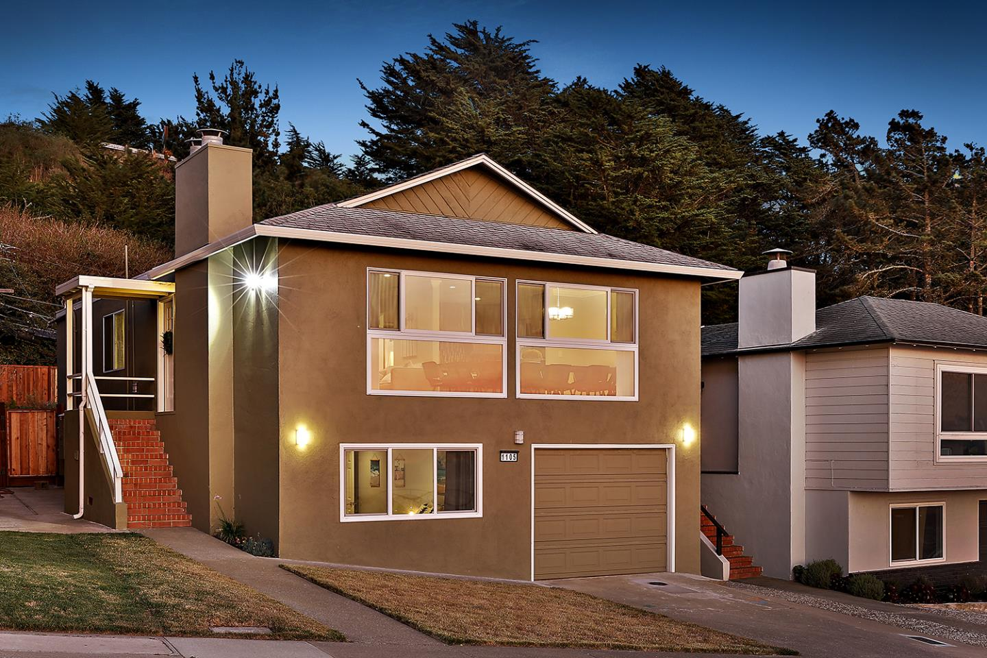 Detail Gallery Image 1 of 1 For 1105 Skyline Dr, Daly City, CA 94015 - 5 Beds | 3/1 Baths