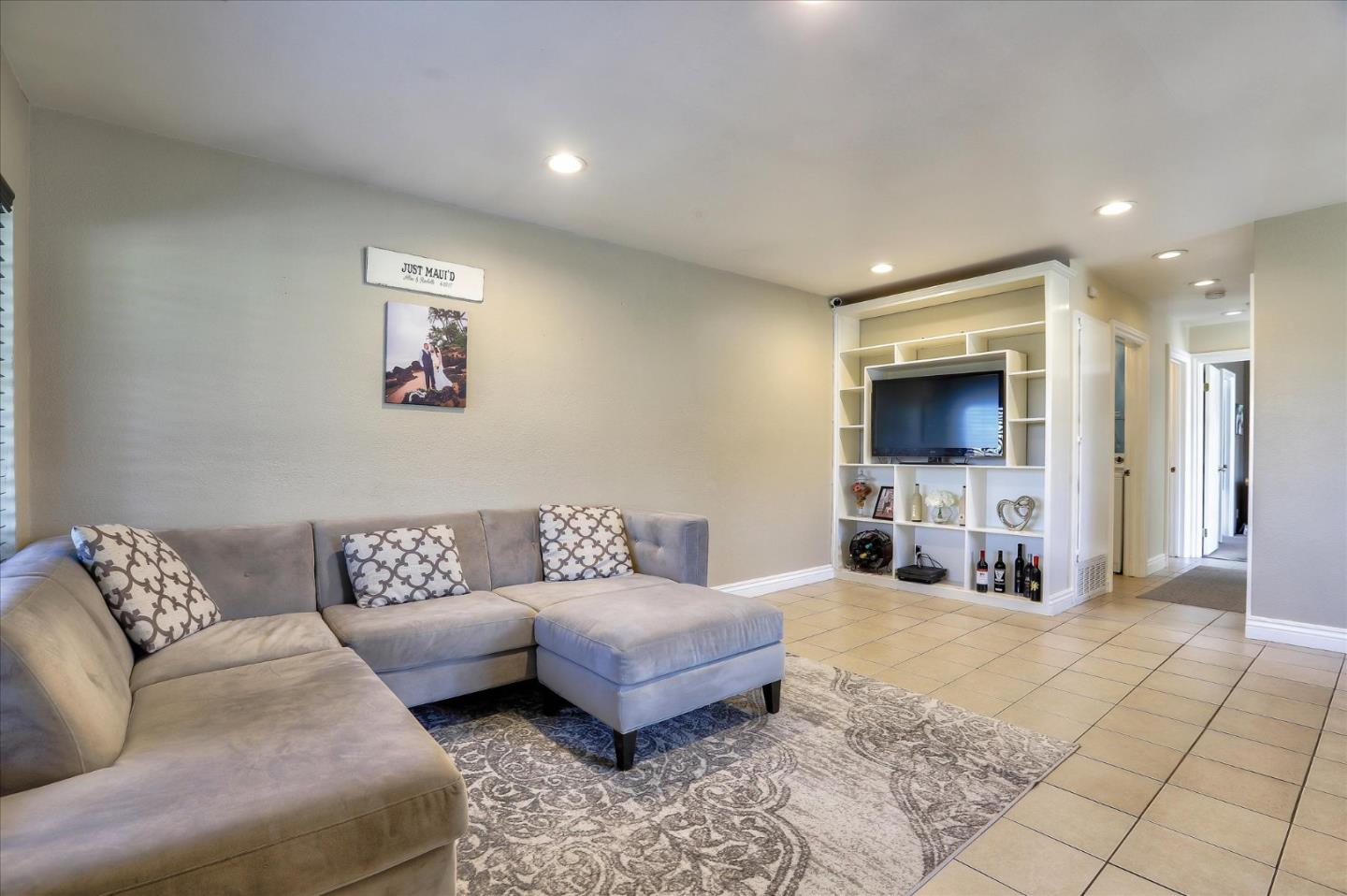 Detail Gallery Image 1 of 1 For 5450 Colony Field Dr, San Jose,  CA 95123 - 2 Beds   1 Baths