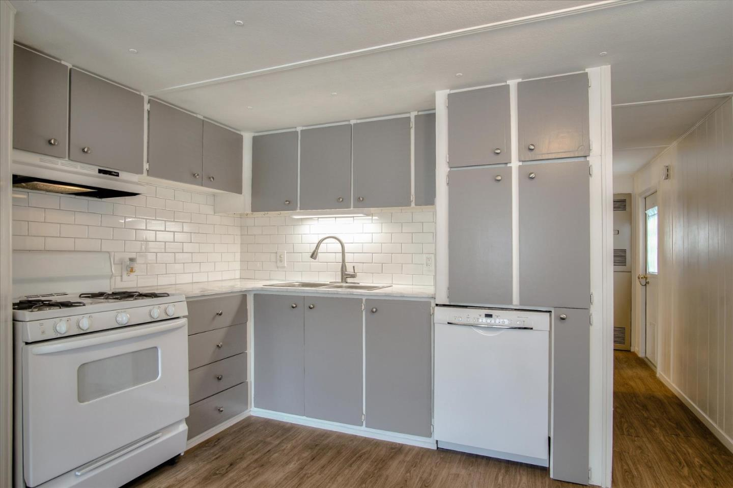 Detail Gallery Image 1 of 30 For 3128 Crescent Ave #20, Marina, CA 93933 - 2 Beds | 1 Baths