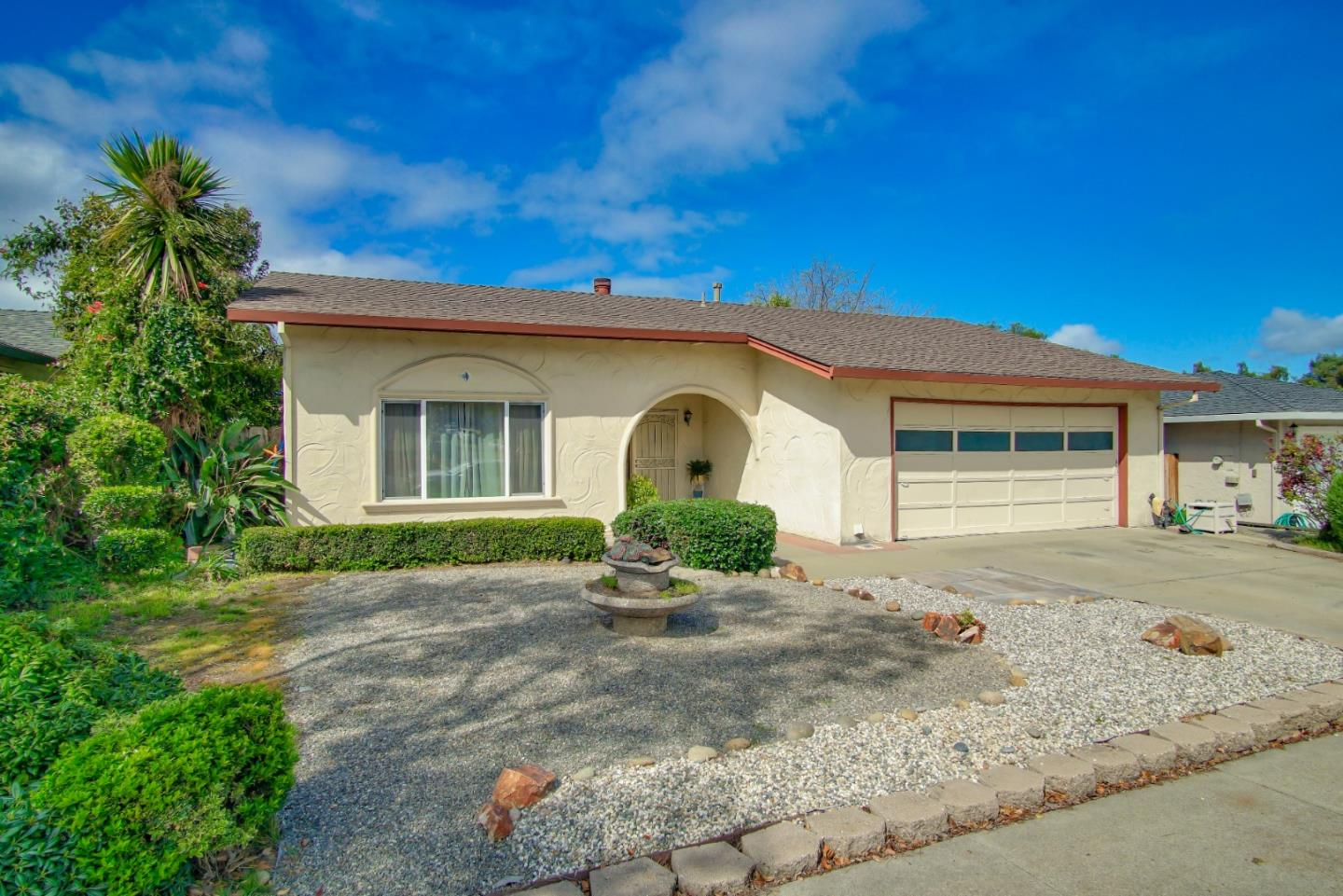 Detail Gallery Image 1 of 1 For 1530 Memorial Dr, Hollister, CA 95023 - 3 Beds | 2 Baths