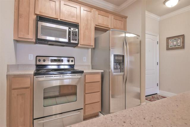 Detail Gallery Image 1 of 1 For 7598 Monterey St #330,  Gilroy,  CA 95020 - 1 Beds | 1 Baths