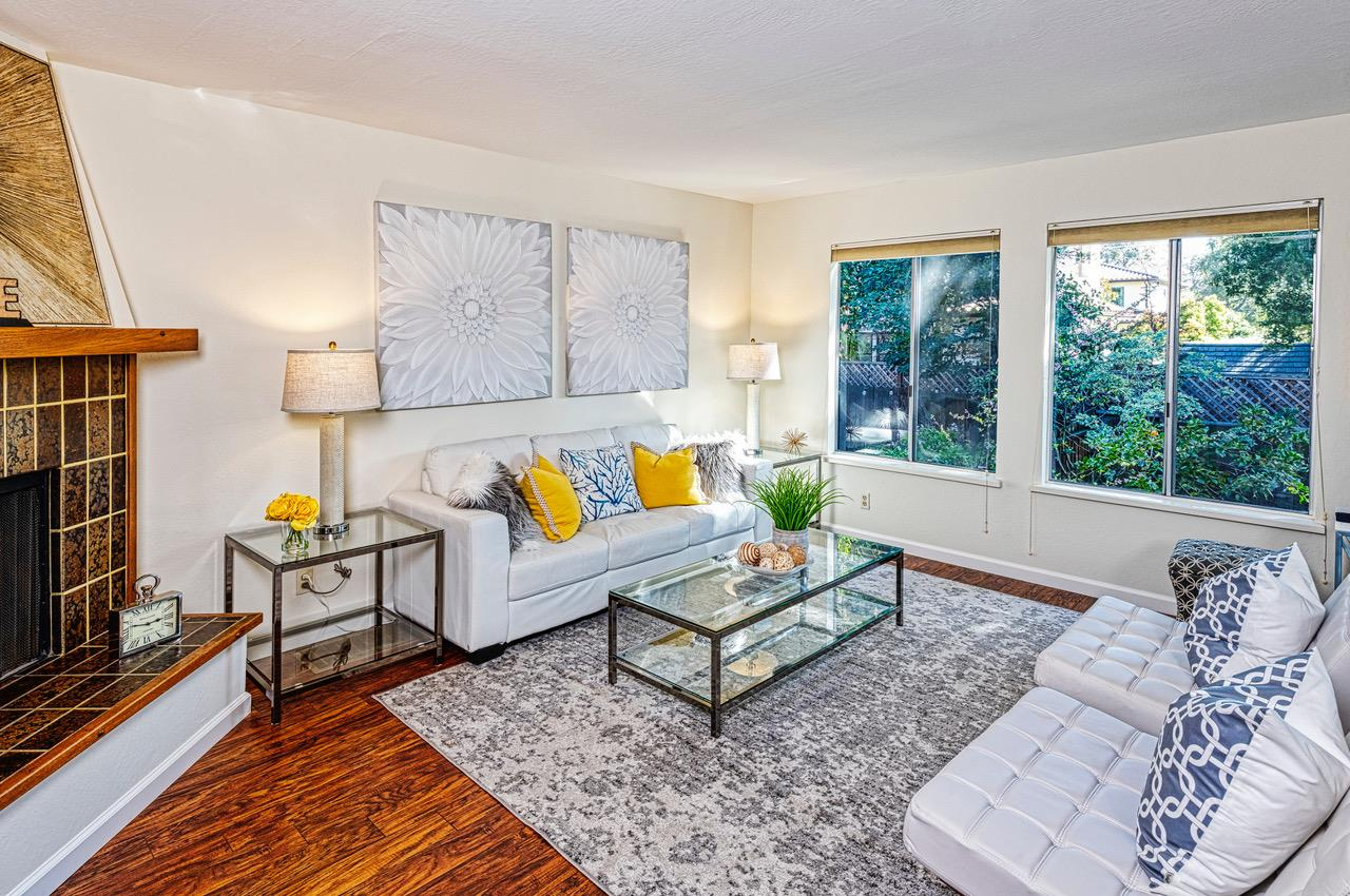 Detail Gallery Image 1 of 1 For 190 E Okeefe St #7, Menlo Park, CA 94025 - 3 Beds | 2/1 Baths