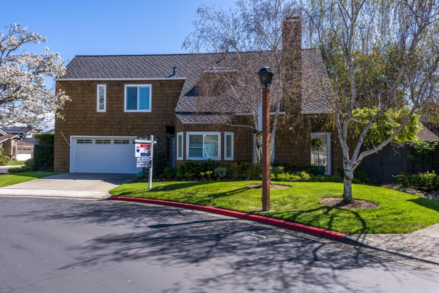 Detail Gallery Image 1 of 34 For 628 Mystic Ln, Foster City, CA 94404 - 3 Beds | 2/1 Baths
