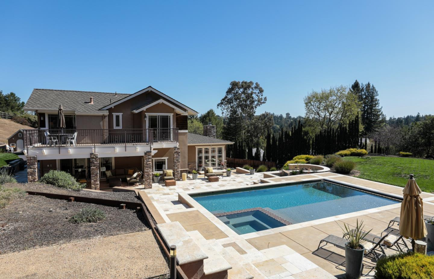 Detail Gallery Image 1 of 26 For 107 Reservoir Rd, Atherton,  CA 94027 - 5 Beds | 3/1 Baths