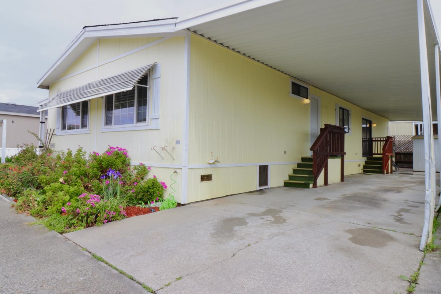 Detail Gallery Image 1 of 25 For 49 Blanca Ln #303, Watsonville, CA 95076 - 2 Beds   2 Baths