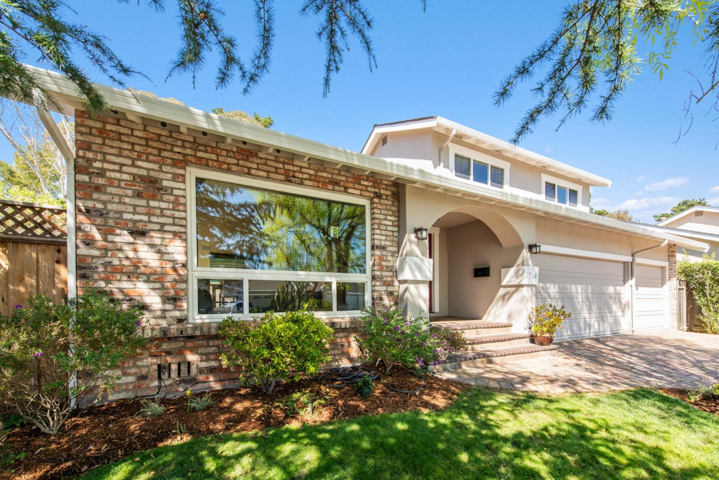 Detail Gallery Image 1 of 1 For 1564 Parkwood Dr, San Mateo,  CA 94403 - 3 Beds | 2/1 Baths