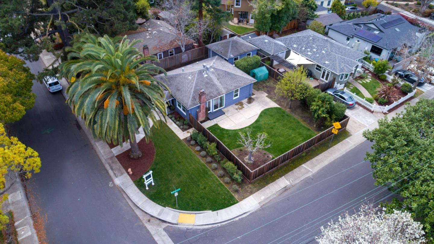 Detail Gallery Image 1 of 1 For 361 Marmona Dr, Menlo Park,  CA 94025 - 3 Beds | 1 Baths