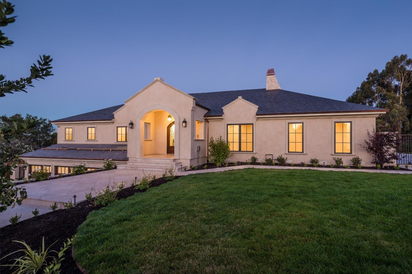 Detail Gallery Image 1 of 1 For 2595 Butternut Dr, Hillsborough,  CA 94010 - 4 Beds | 4/1 Baths