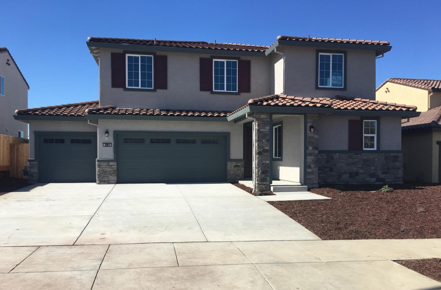 Detail Gallery Image 1 of 1 For 3084 Palomino Way, Hollister,  CA 95023 - 5 Beds | 3/1 Baths
