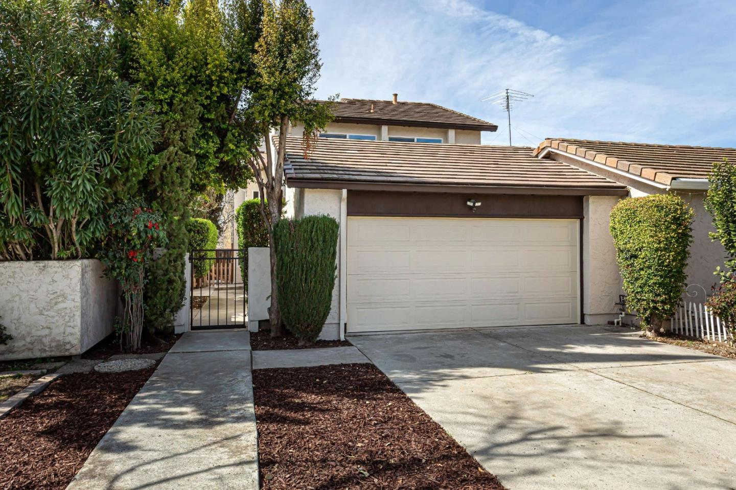 Detail Gallery Image 1 of 1 For 935 Matterhorn Ct, Milpitas, CA 95035 - 3 Beds | 2/1 Baths