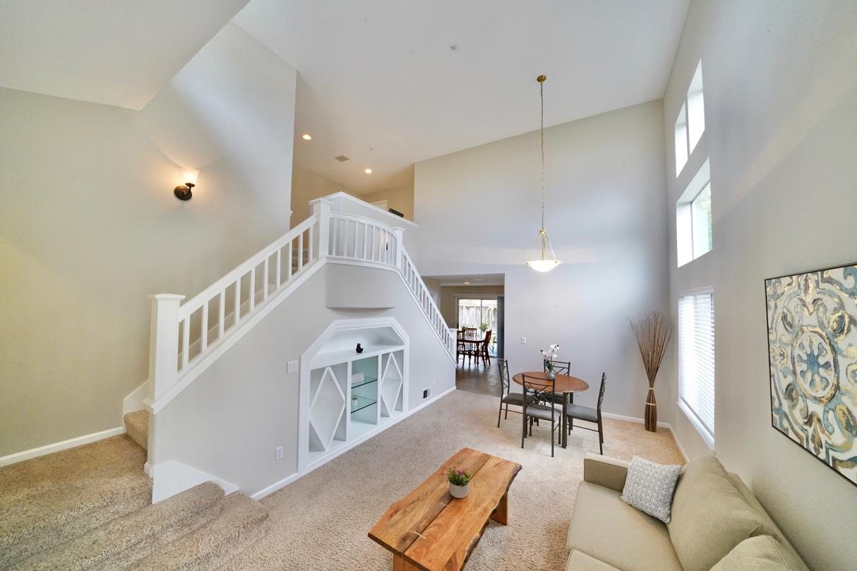 Detail Gallery Image 1 of 1 For 551 Skypark Dr, Scotts Valley, CA 95066 - 3 Beds | 2/1 Baths