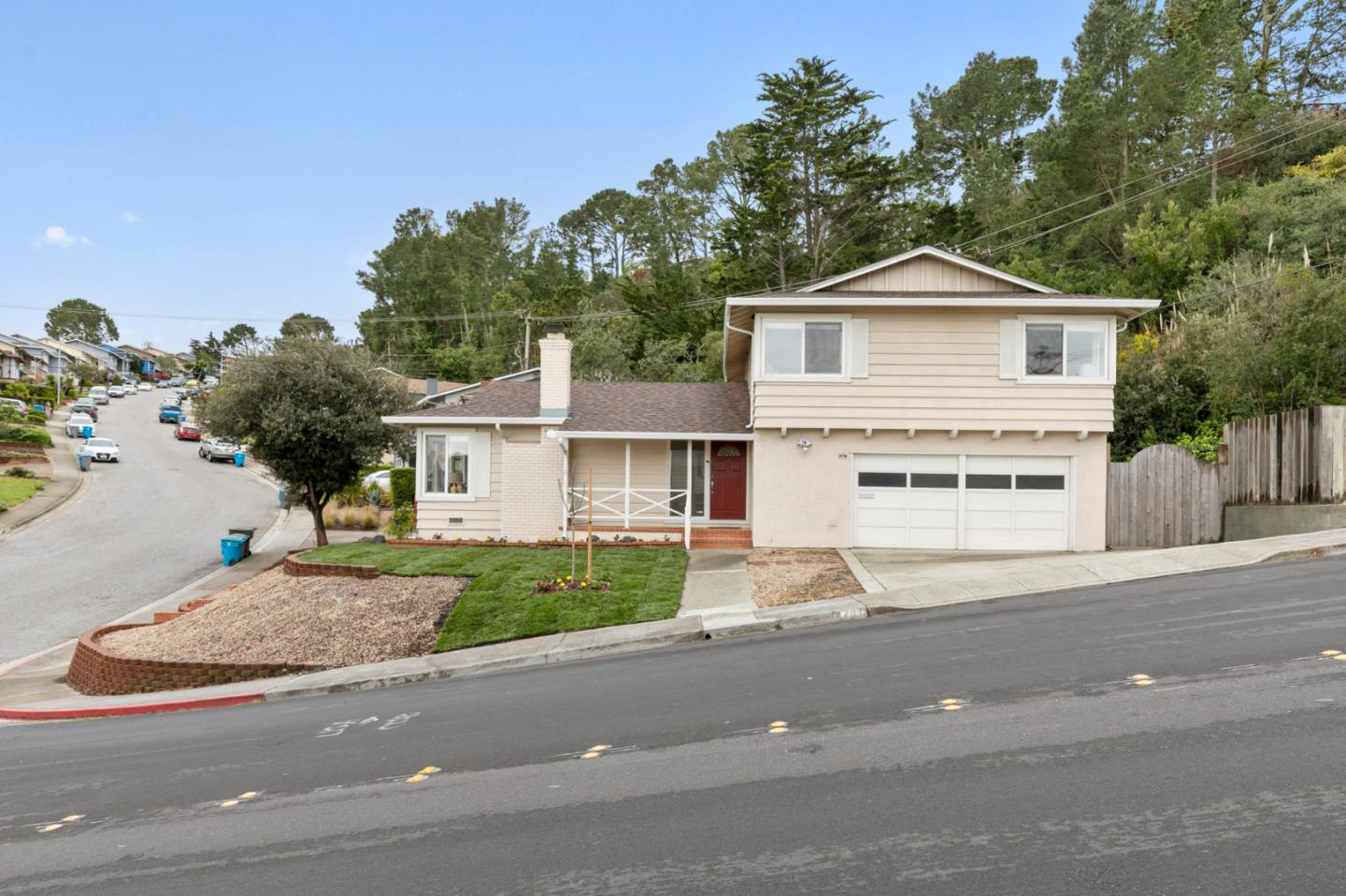 Detail Gallery Image 1 of 1 For 201 Amador Ave, San Bruno, CA 94066 - 4 Beds | 2/1 Baths