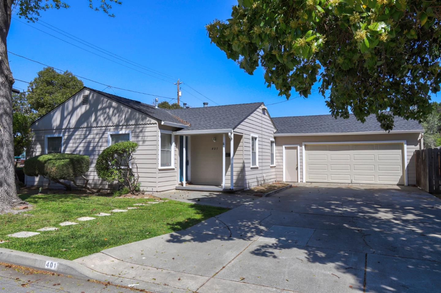 Detail Gallery Image 1 of 1 For 401 Southwood Ave, Sunnyvale, CA 94086 - 3 Beds   1 Baths