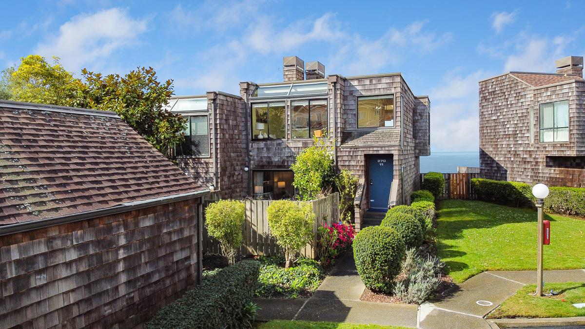 Detail Gallery Image 1 of 1 For 270 Beachview Ave #11, Pacifica, CA 94044 - 2 Beds   2/1 Baths