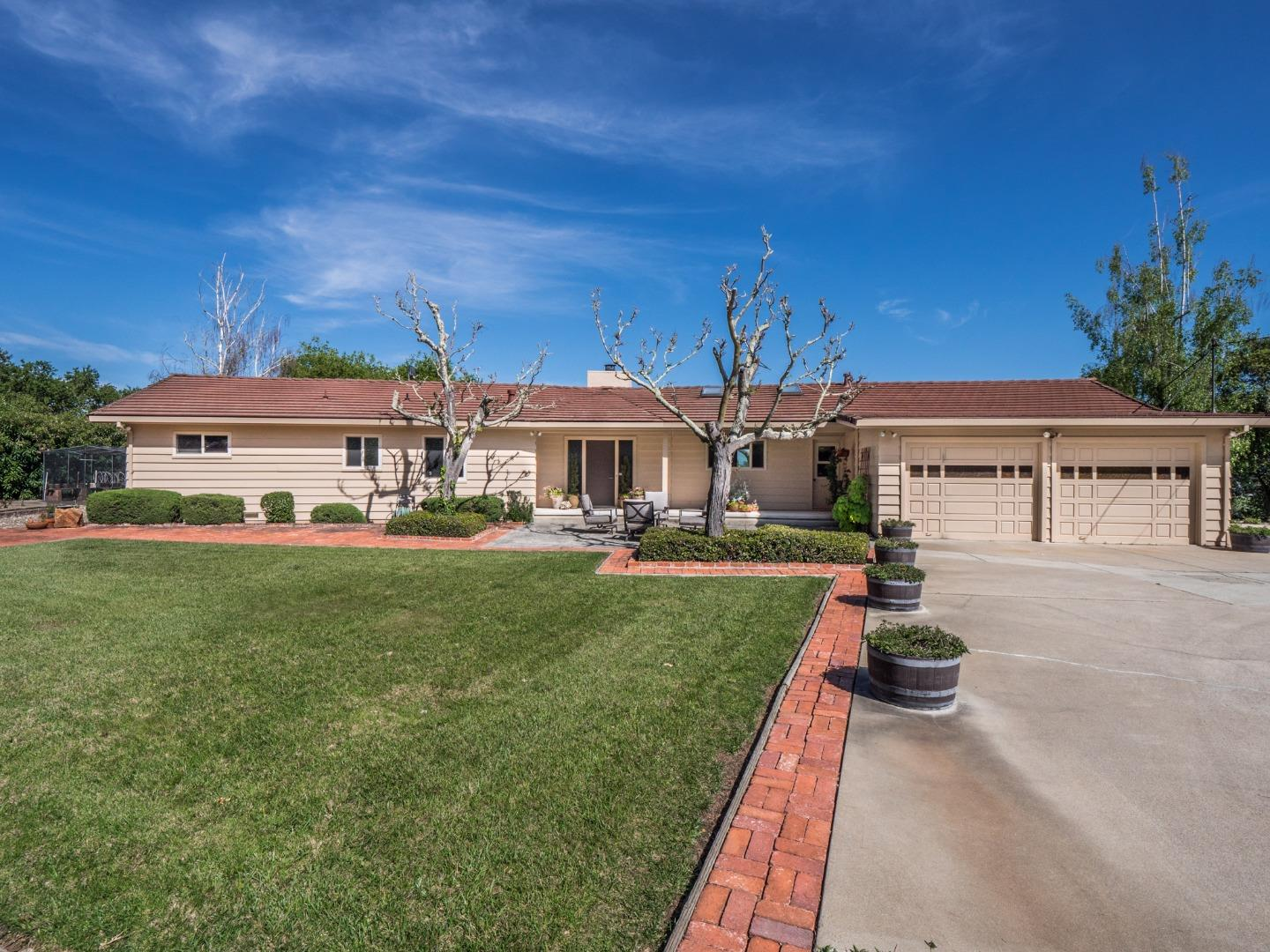 Detail Gallery Image 1 of 1 For 150 Skylark Ln, Corralitos,  CA 95076 - 3 Beds | 2/1 Baths